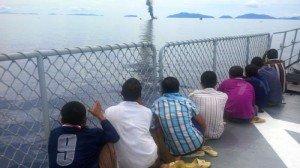 delapan-nelayan-asing-asal-vietnam-yang-tertangkap-mencuri-ikan-di-laut-natuna