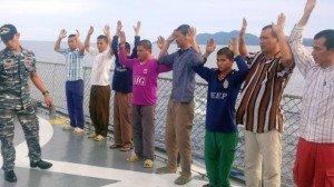 nelayan-8-vietnam-yang-mencuri-ikan-di-perairan-natuna