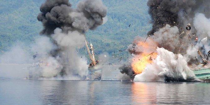 民族覚醒の日に密漁船20隻を撃沈!?そして中国船は?!【前編】