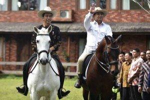 78929-jokowi-dan-prabowo-naik-kuda-di-hambalang-mw6_highres